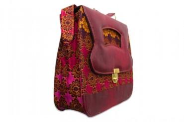 Alariwo @ 2 ; Aswani: Hesey Designs